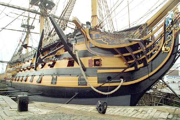 HMS Victory: Starboard bow